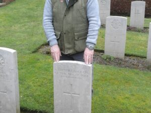 """PAUL AT THE GRAVE OF A SOLDIER """"KNOWN UNTO GOD"""